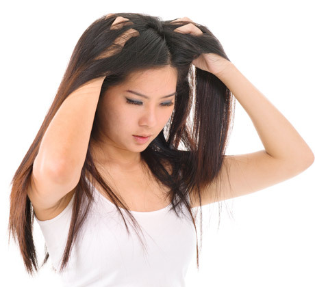 不乾淨的安全帽,可能會引起頭皮毛囊炎,甚至禿頭及蜂窩性組織炎